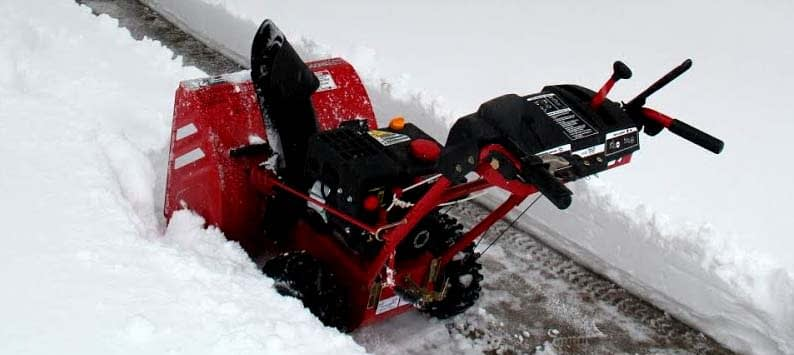 Electric vs Gas-Powered Snow Blowers
