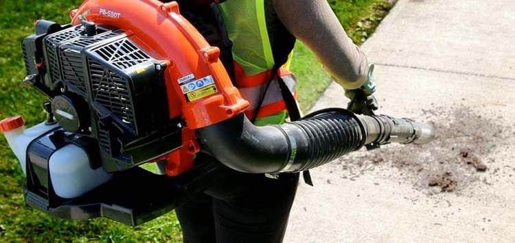 How to Chose a Backpack Leafblower